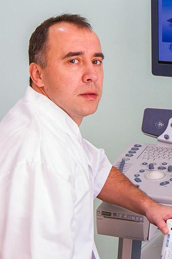 Dr. Aurel Fernye
